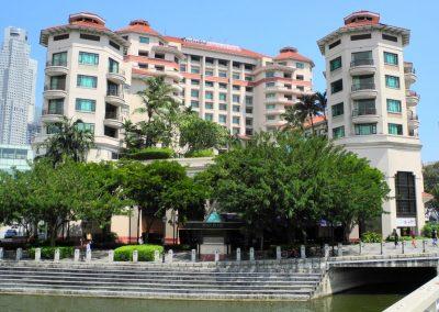 Swissôtel Merchant Court Hotel